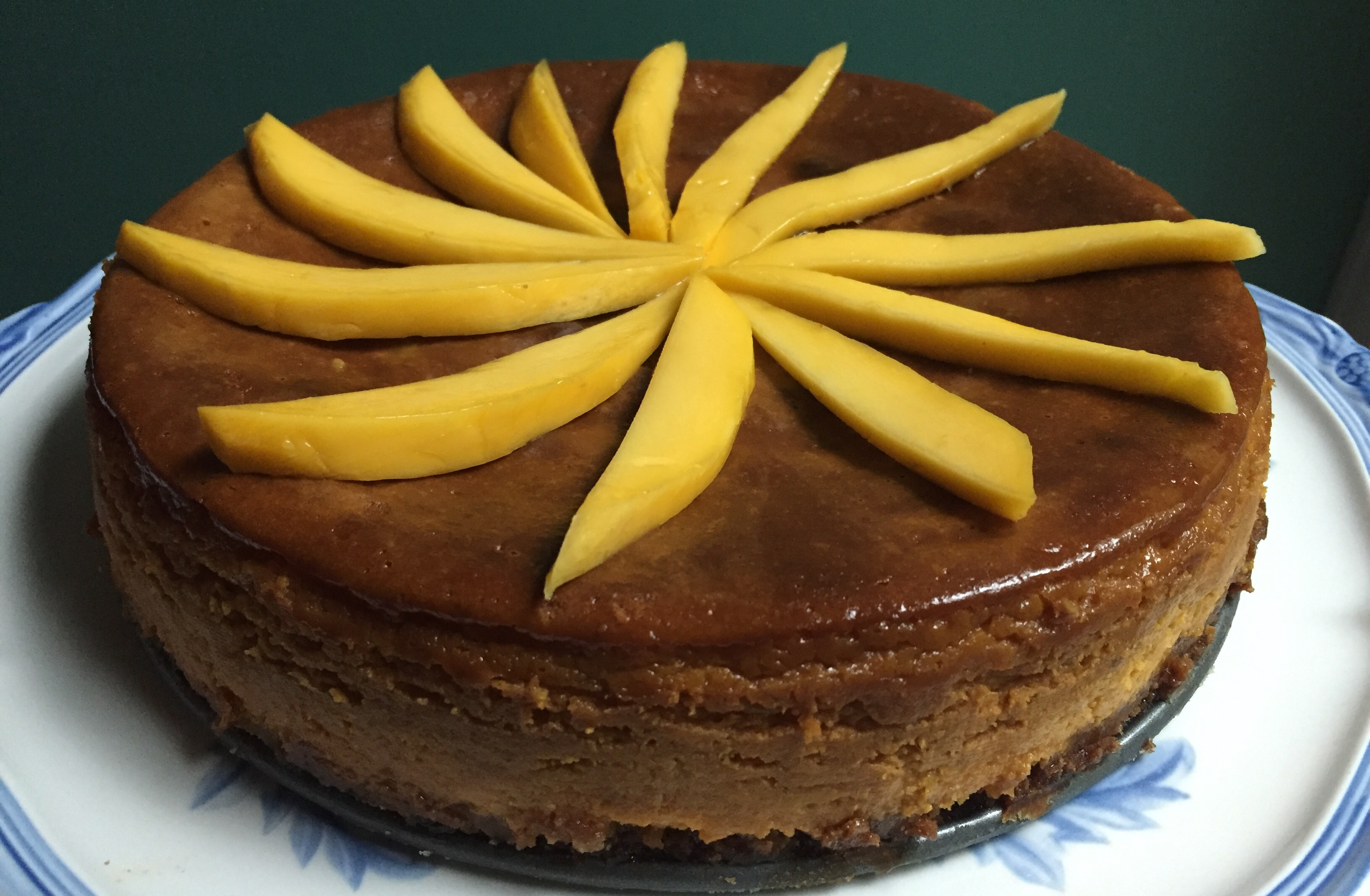 Mango cheesecake horizontal